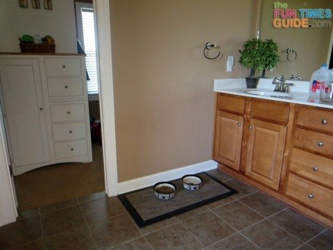 bathroom-dog-food-bowls