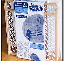 Pros & Cons Of Using An Evenflo Baby Gate For Dogs: A Review