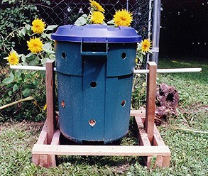 Self-contained dog poop compost bin - large.